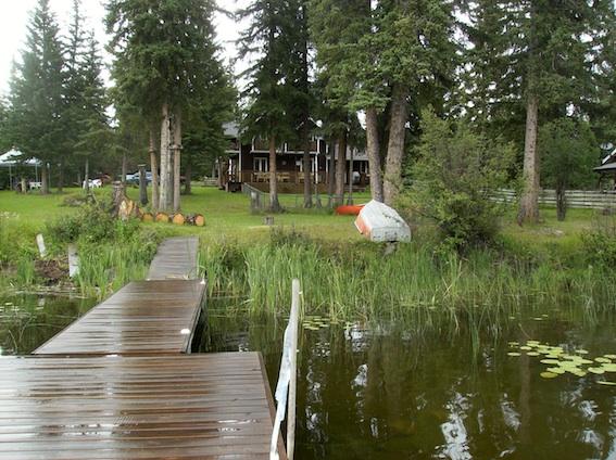 april resort quadra island duplex cabin
